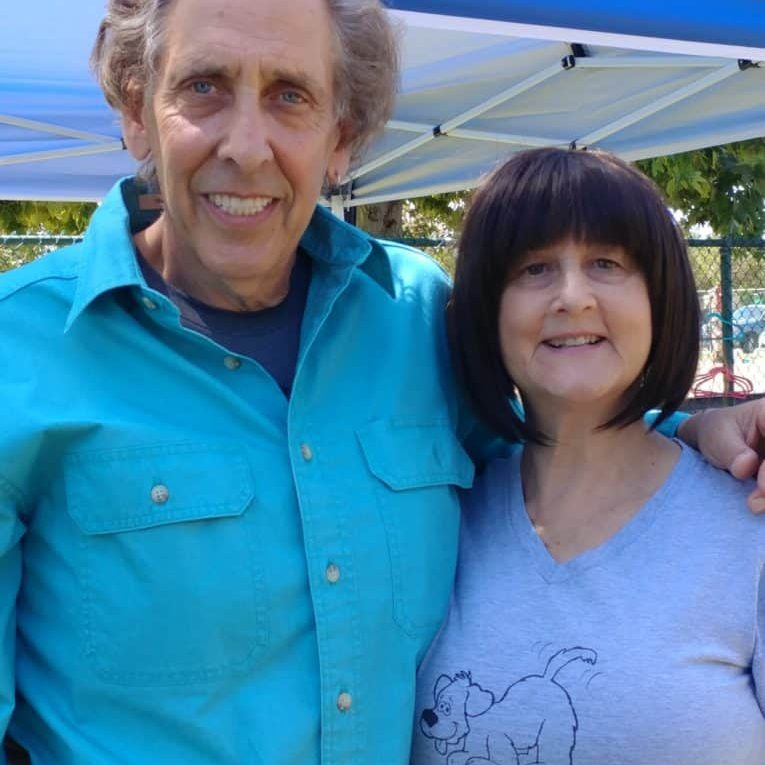 Warren Eckstein, Host of The Pet Show , Honorary Board Member and Eileen at Adoption Event